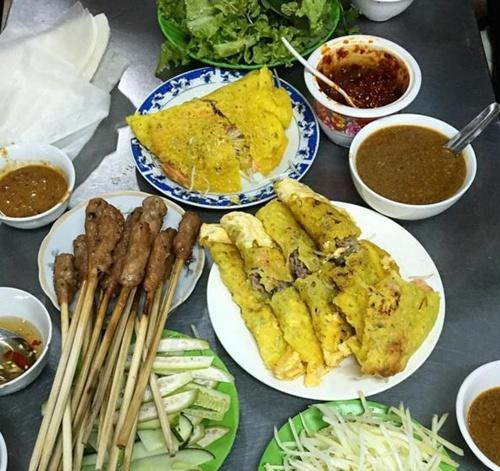 Ghé thăm quán bánh xèo trong hẻm nức tiếng Đà thành