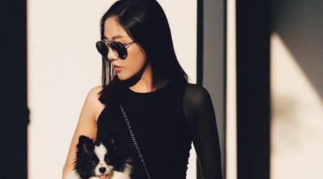 Ngắm tủ đồ đen không nhàm chán của Văn Mai Hương