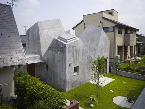 Tại sao Nhật có nhiều ngôi nhà kỳ lạ
