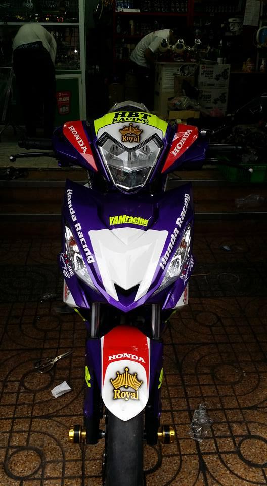 Winner HBT Racing đồ chơi đầy mình