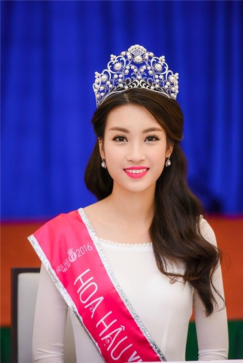 Cận cảnh mặt mộc của 6 Hoa hậu Việt đang đương nhiệm