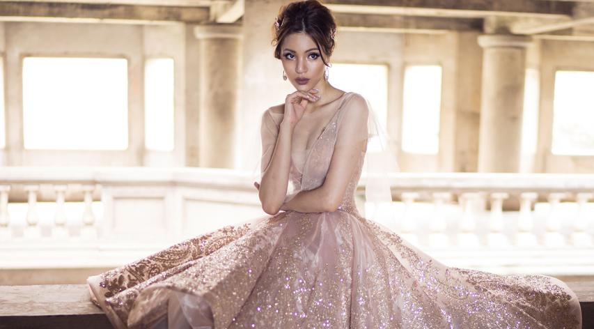 Khả Trang kiêu sa với đầm dạ hội