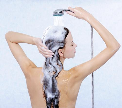 6 cách chăm sóc tóc dài giúp nàng luôn tự tin