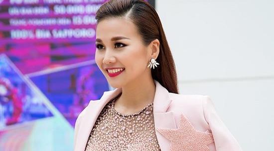 Bộ sưu tập blazer cá tính của siêu mẫu Thanh Hằng