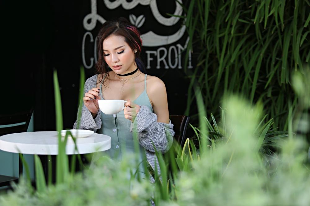 Phương Trinh Jolie đón tuổi mới với hình ảnh sexy 'khó cưỡng'
