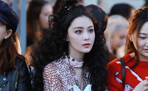 Sao Hoa ngữ xuất hiện nổi bật tại tuần lễ thời trang Paris