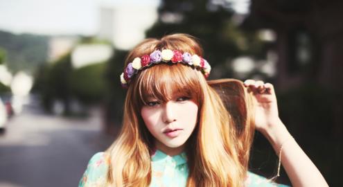 Những kiểu tóc xoăn lọn biến tóc cực xinh đẹp cho bạn gái