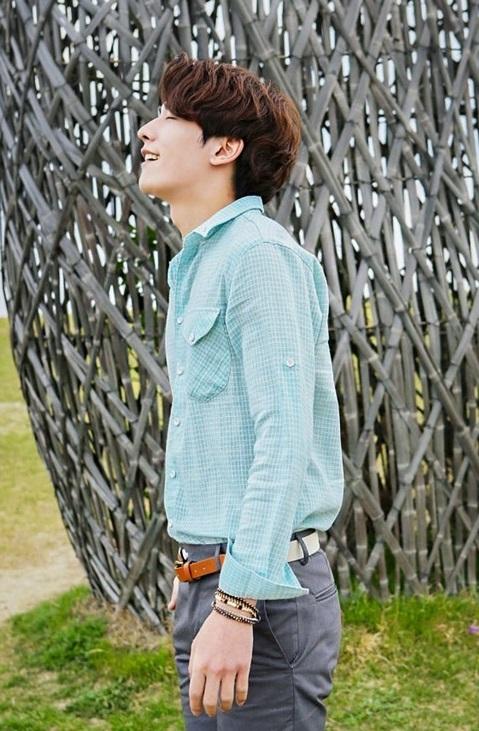 Sang trọng giản dị với áo sơ mi nam phong cách Hàn Quốc
