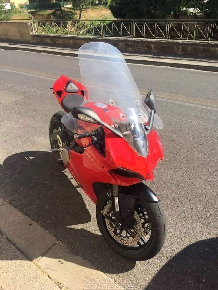 Ducati độ với phong cách hải ngoại đầy cá tính
