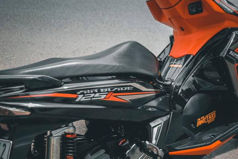 Air Blade độ chọn tông màu Orange & Black