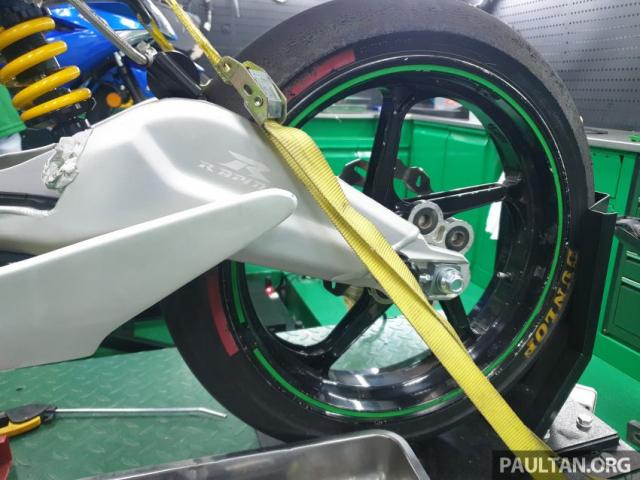Exciter 150 độ chạy sân Moto3 đầy cá tính