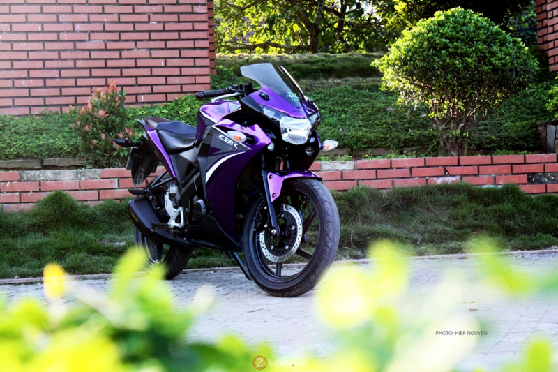 Honda CBR150 phiên bản tím mộng mơ
