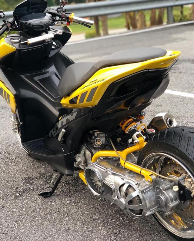 NVX 155 lột xác ngoạn mục với phong cách siêu mô tô