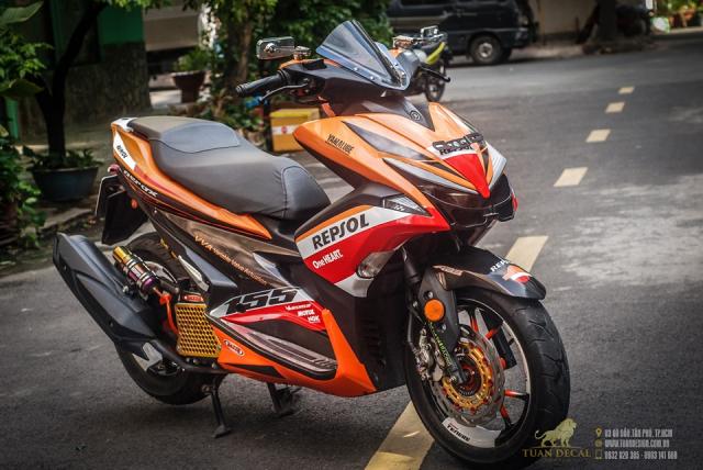 Yamaha NVX 155 độ phong cách Repsol ấn tượng