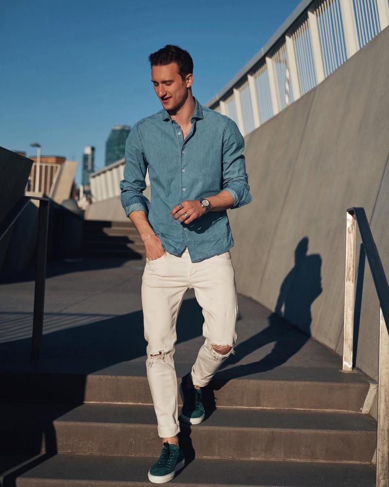 8 cách phối quần jeans trắng chất cực chất từ fashionista