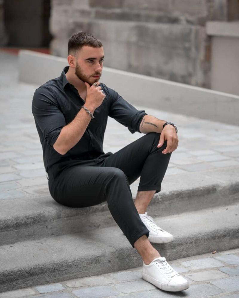 5 cách phối áo sơ mi đen đến công sở cho anh chàng ưa trẻ trung