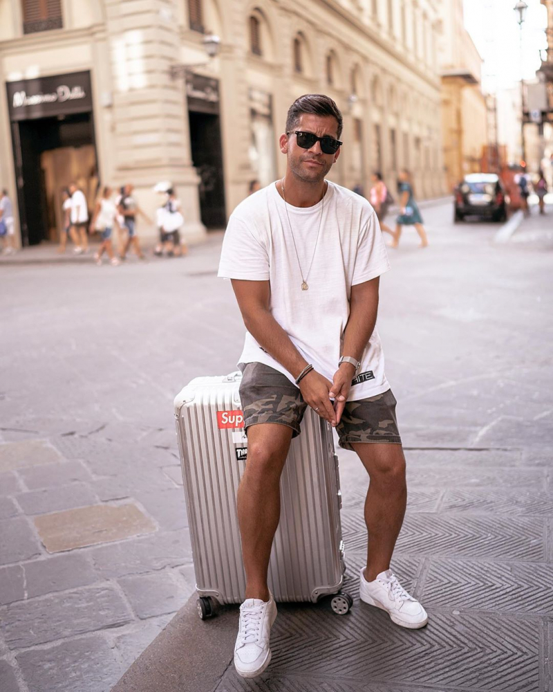 5 tips phối đồ cùng giày sneaker trắng giúp chàng định hình cá tính