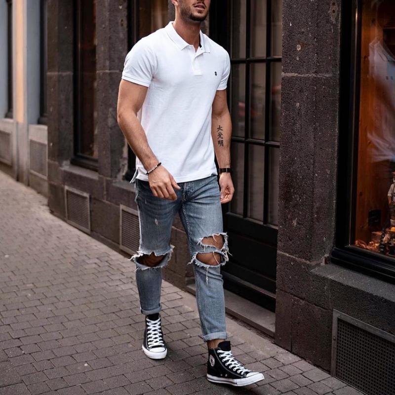 Dạo phố đơn giản nhưng đầy năng động cùng cách phối giày sneaker mạnh mẽ