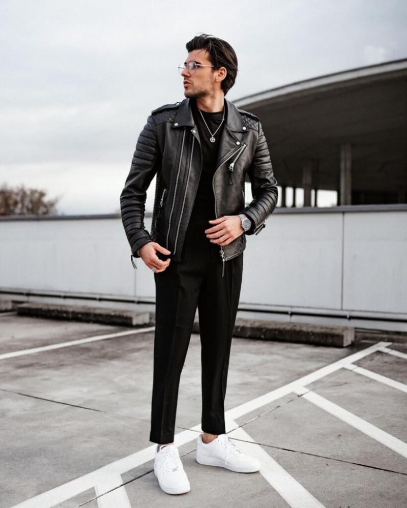 6 cách diện áo thun đen sơ-vin với quần dài giúp vẻ ngoài của chàng