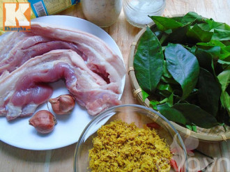 Cách nấu thịt ba chỉ đảo lá mắc mật thơm nức mũi