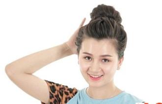 5 Kiểu búi tóc đơn giản, dễ làm cho cô nàng dễ thương