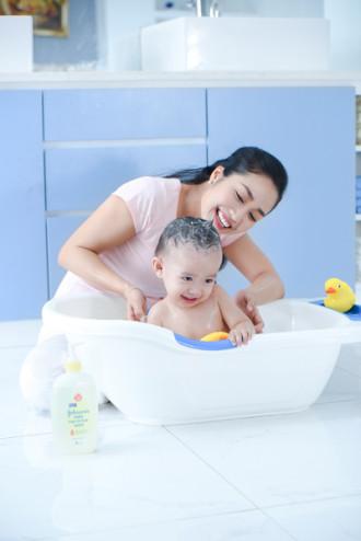 Bí quyết chăm sóc da cho con của Ốc Thanh Vân