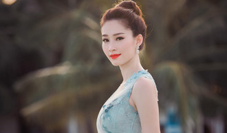 Ngắm 'thần tiên tỉ tỉ' Đặng Thu Thảo mong manh trên vịnh Hạ Long