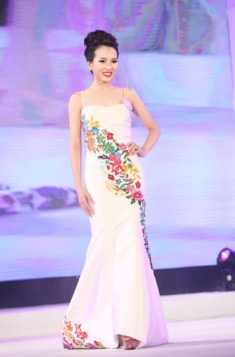 Ngắm vẻ đẹp 12 cô gái đầu tiên lọt chung kết Hoa hậu Bản sắc