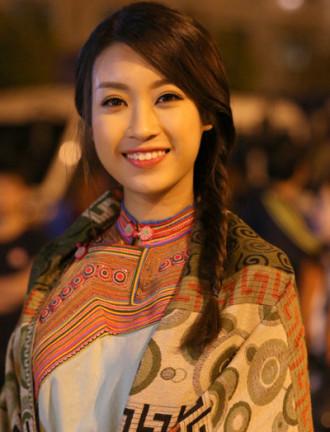 Hoa hậu Mỹ Linh, Thanh Hằng đẹp sắc sảo khi sử dụng tông màu tự nhiên