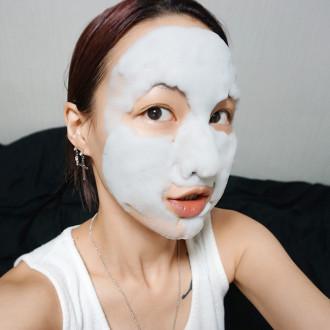 'Share' cách làm đẹp với mặt nạ sủi bọt ngộ nghĩnh