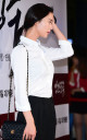 Mỹ nhân Hàn đẹp nền nã với sơ mi trắng